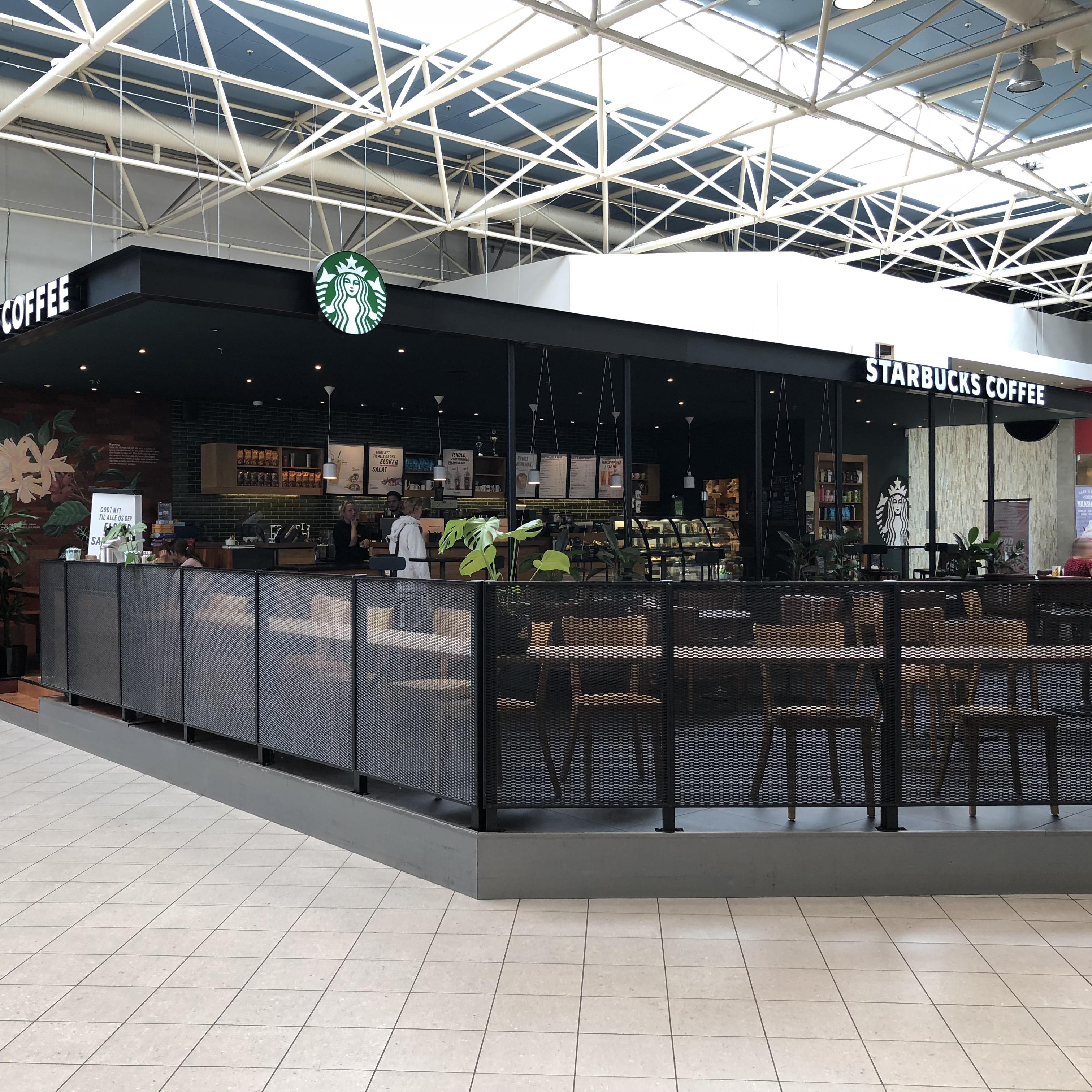 Facade Starbucks